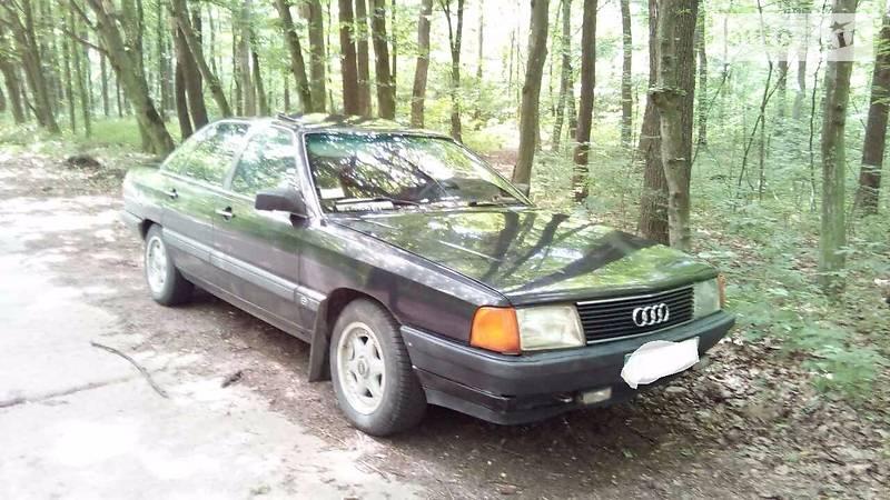 Audi 100 1987 года в Ровно