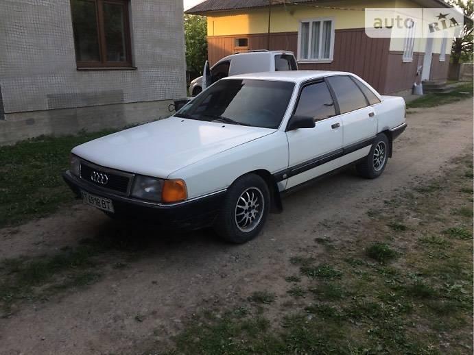 Audi 100 1989 в Косове