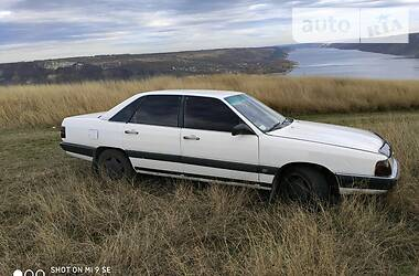 Audi 100 1985 в Глыбокой