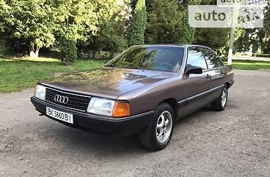 Седан Audi 100 1984 в Радивилове