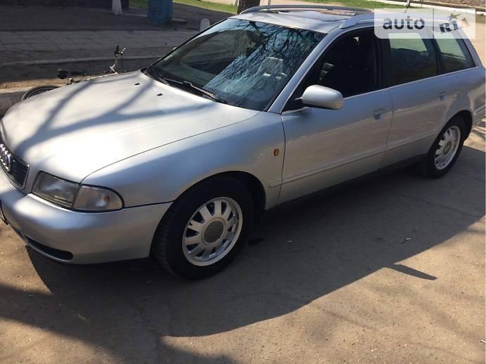 Audi A4 1998 в Бобринце