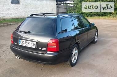 Audi A4 1997 в Сарнах