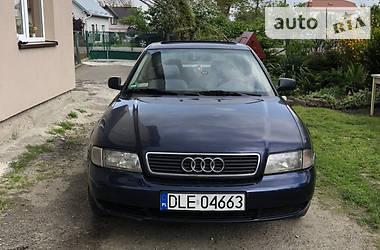 Седан Audi A4 1995 в Львове
