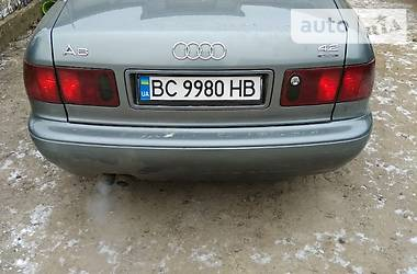Audi A8 1996 в Золочеве