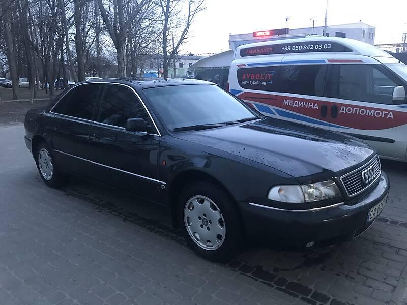 Седан Audi A8 1996 в Черкасах