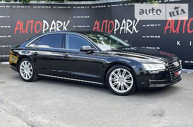 Седан Audi A8 2017 в Киеве