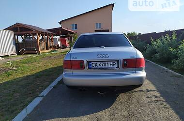 Седан Audi A8 2001 в Золотоноше