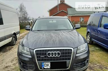 Audi Q5 2010 в Рокитном
