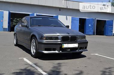 BMW 318 1993 в Кривом Роге
