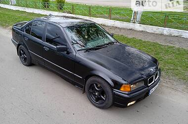 BMW 318 1993 в Дубно
