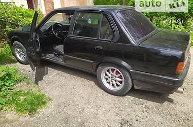 Седан BMW 318 1988 в Чернівцях