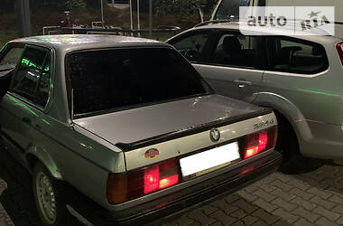 Седан BMW 324 1990 в Луцке
