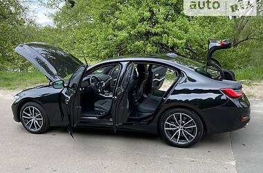 Седан BMW 330 2019 в Киеве