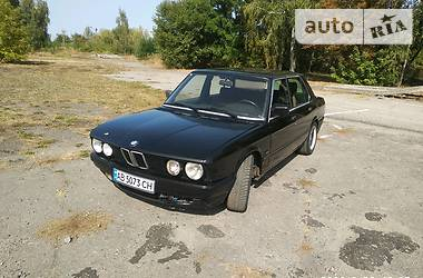 BMW 524 1986 в Пирятине