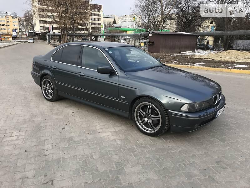 BMW 5 серия 2003 года в Черновцах