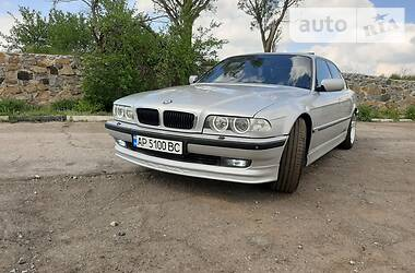 Седан BMW 740 1999 в Токмаке