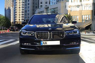 BMW 750 2017 в Киеве