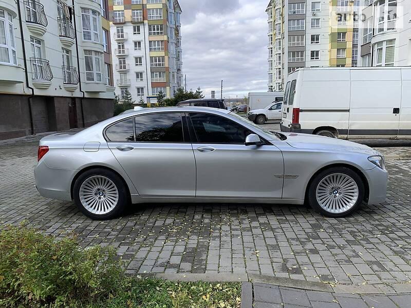 BMW 750 2013 в Ивано-Франковске