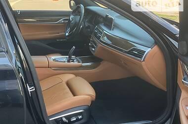 Седан BMW 750 2016 в Києві