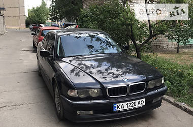 Седан BMW 750 1998 в Киеве