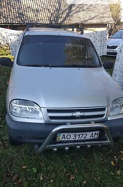 Внедорожник / Кроссовер Chevrolet Niva 2008 в Рахове