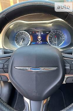 Седан Chrysler 200 2015 в Мариуполе