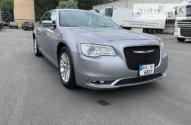 Седан Chrysler 300 С 2017 в Києві
