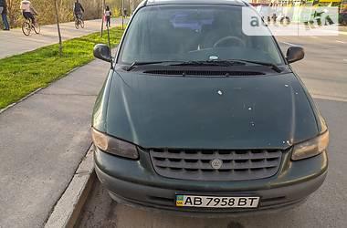 Минивэн Chrysler Voyager 1996 в Киеве