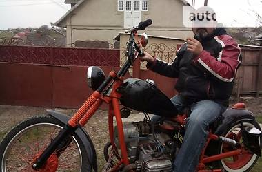 Днепр (КМЗ) МТ-10 1990 в Чернівцях