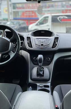 Позашляховик / Кросовер Ford Escape 2015 в Чернівцях