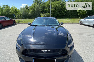 Купе Ford Mustang 2015 в Львове