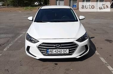Hyundai Elantra 2016 в Кривом Роге