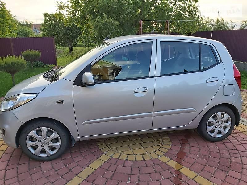 Хэтчбек Hyundai i10 2012 в Ужгороде