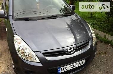 Hyundai i20 2011 в Полонному