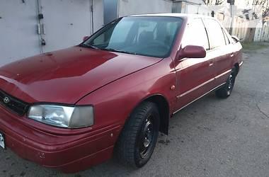 Седан Hyundai Lantra 1993 в Черновцах