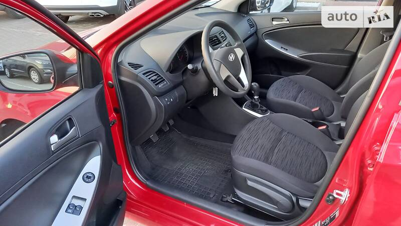 Hyundai Tucson OFFICIAL AUTO 2015