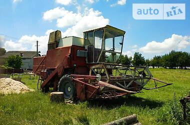 Комбайн зернозбиральний International 531 1977 в Чорткові