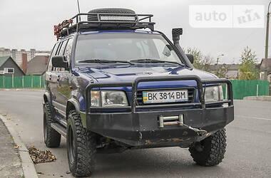 Позашляховик / Кросовер Isuzu Trooper 1998 в Рівному