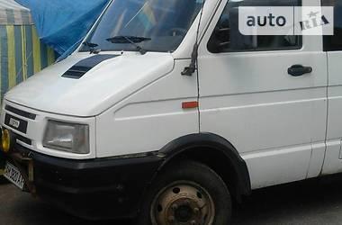 Iveco TurboDaily пасс. 1993 в Чуднове