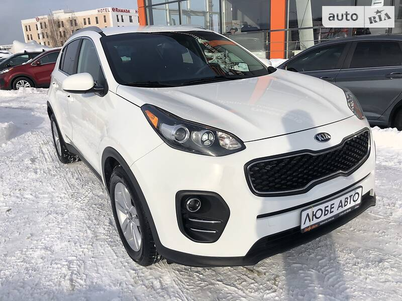 https://cdn4.riastatic.com/photosnew/auto/photo/kia_sportage__378037064f.jpg