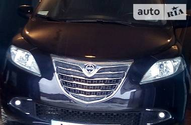 Lancia Ypsilon 0,9 газ/бензин