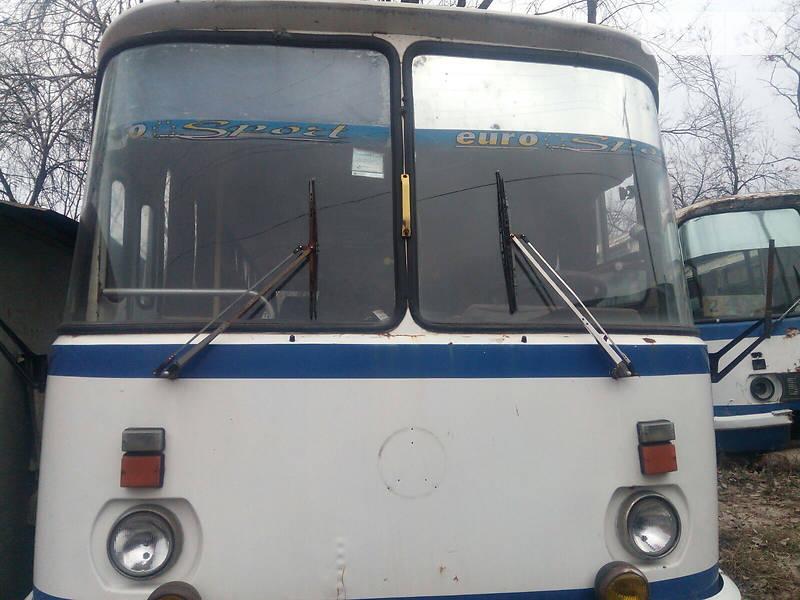Приміський автобус ЛАЗ 695 2005 в Олександрії