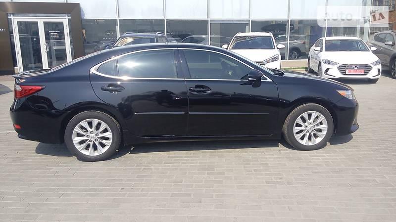Lexus ES 300  2013