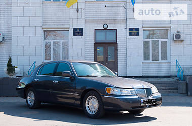 Lincoln Town Car 2001 в Селидово