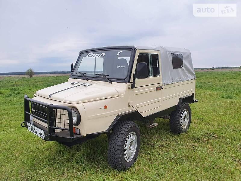 ЛуАЗ 696 1992 в Переяславе-Хмельницком
