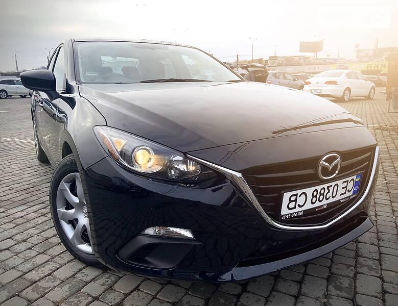Седан Mazda 3 2015 в Черновцах
