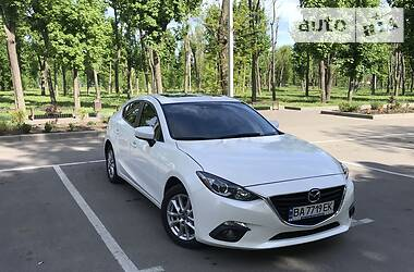 Седан Mazda 3 2015 в Кропивницком