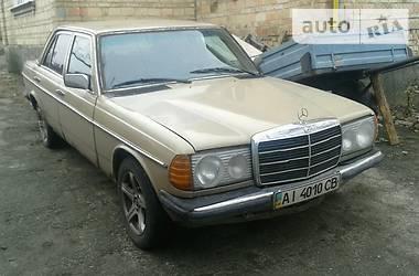 Mercedes-Benz 200 1979 в Софиевской Борщаговке