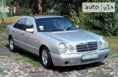 Mercedes-Benz 210 1995 в Полтаве
