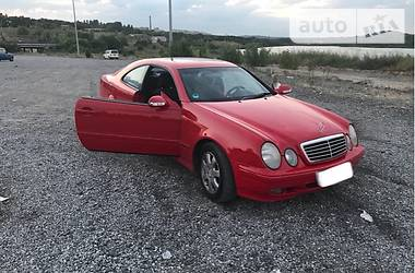 Mercedes-Benz 220 2000 в Донецке